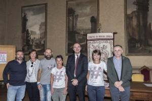 il team di prima di tutto alla presentazione per la maratona di reggio emilia